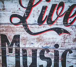 Jazz, country, Irish, karaoke, classical, acoustic, religious, musicals, comic and other varieties of live music in theaters, bars, pubs, restaurants, and other venues